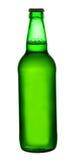 Bier in einer grünen Flasche Stockfotografie