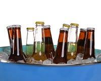 Bier in einer Wanne Stockbild