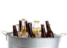 Bier in einer Wanne Lizenzfreies Stockbild