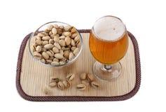 Bier en pistache Stock Foto