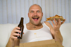 Bier en pizza Stock Afbeeldingen