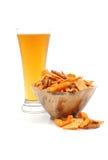 Bier en Snack Stock Afbeeldingen