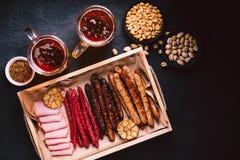 Bier en vleessnackreeks bar, restaurant, barvoedsel royalty-vrije stock afbeeldingen