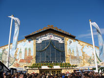 Bier Hall am Oktoberfest Festival Lizenzfreies Stockbild