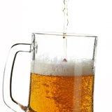 Bier im Glas lizenzfreie stockfotos
