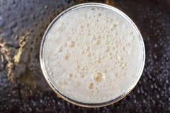 Bier, Schaum, Glas, Schaum, Lager, Ale, Apfelwein Beschneidungspfad eingeschlossen Stockbild