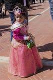 Bier-Sheva, ISRAËL - Maart 5, 2015: Het meisje in een roze kledingsprinses (Disney) Stock Foto