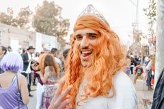 BIER SHEVA, ISRAEL - 1. MÄRZ 2018: Purim-Straßenmaskerade auf der Straße im Bier-Sheva Glücklicher purim Tag in Israel Lizenzfreies Stockfoto