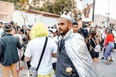 BIER SHEVA, ISRAEL - 1. MÄRZ 2018: Purim-Straßenmaskerade auf der Straße im Bier-Sheva Glücklicher purim Tag in Israel Lizenzfreie Stockbilder