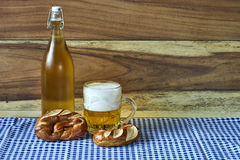 Bier und Brezeln Stockbilder