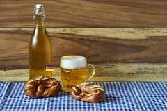 Bier und Brezeln Lizenzfreie Stockfotografie