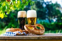 Bier und Brezeln, Oktoberfest-Partei stockfoto