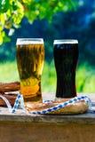 Bier und Brezeln, Oktoberfest-Partei stockfotos