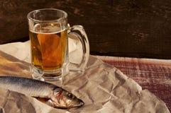 Bier und Snack zum Bier Stockfotografie