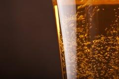 Bierblasen lizenzfreie stockfotos