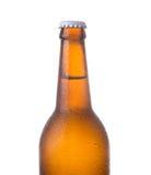 Bierflasche lokalisiert auf Weiß Lizenzfreies Stockfoto