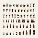 Bierflessen en geplaatste glazenpictogrammen Vector Royalty-vrije Stock Afbeeldingen