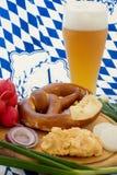 Biergartenmahlzeit lizenzfreies stockbild