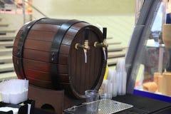 Bierhähne in einer Kneipe Lizenzfreie Stockfotos