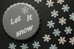 Bieronderlegger voor glazen met inschrijving en Sugar Snowflakes in wit en blauw op zwarte achtergrond Royalty-vrije Stock Afbeeldingen