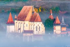 Biertan, Sibiu: Versterkte kerk van de stad, Transsylvanië, Roemenië stock foto's