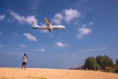 Bierze fotografii samolot Zdjęcia Royalty Free