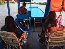 Bierze wycieczkę turysyczną na rzece Zdjęcia Royalty Free