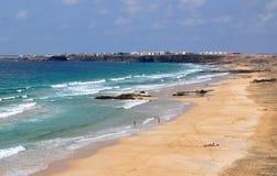 Biew salvaje del top de la playa de Fuerteventura Imágenes de archivo libres de regalías