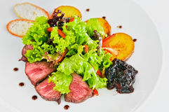 Bife & vegetais Imagens de Stock Royalty Free
