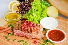 Bife & vegetais Fotografia de Stock