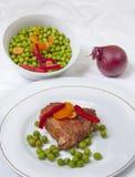 Bife com vegetais Imagem de Stock Royalty Free