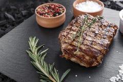 Bife cozinhado Seasoned imagem de stock royalty free