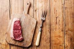 Bife cru de Striploin da carne fresca Foto de Stock Royalty Free