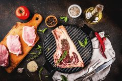 Bife cru do striplon da carne Imagem de Stock Royalty Free