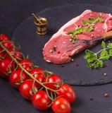 Bife da carne cru Fotografia de Stock