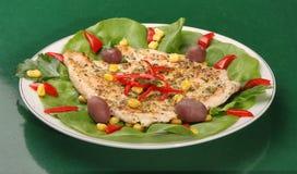 Bife da galinha com vegetais Imagem de Stock