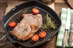 Bife de carne fritado Fotos de Stock