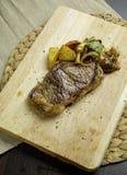 Bife de carne grelhado Foto de Stock
