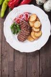 Bife de carne grelhado Fotos de Stock Royalty Free