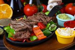 Bife de carne grelhado fresco fotos de stock royalty free