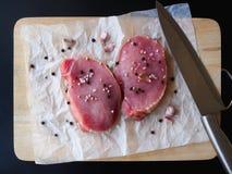 Bife de costeleta cru da carne de porco Imagem de Stock Royalty Free