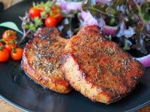Bife de costeleta grelhado da carne de porco Imagens de Stock