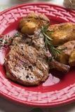 Bife de costeleta perfeito do lombo de carne de porco Foto de Stock Royalty Free