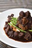 Bife de faixa da carne do cordeiro com espargos Imagens de Stock Royalty Free