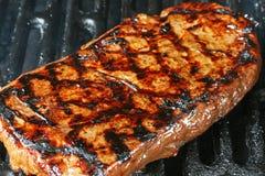 Bife de flanco grelhado imagem de stock