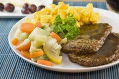 Bife de Salisbúria com vegetais fotografia de stock royalty free