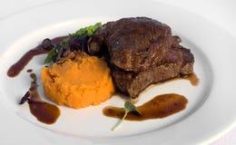 Bife do Sirloin com batata doce Fotografia de Stock Royalty Free