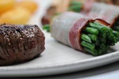 Bife e vegetais fotos de stock royalty free