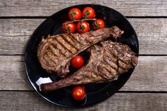 Bife grelhado do machado de guerra da carne fotografia de stock