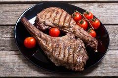 Bife grelhado do machado de guerra da carne imagens de stock